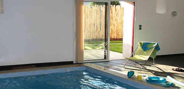Location vacances gîte avec piscine intérieure en Vendée privée chauffée à l'année
