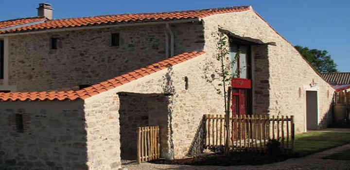 Location vacances: vacances en gîte 2 à 6 personnes avec piscine intérieure en Vendée