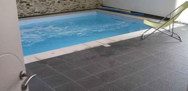 Location gîte piscine intérieure Vendée et espace détente