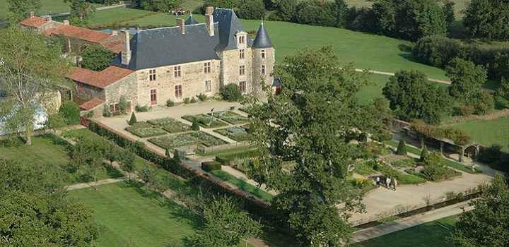 Location vacances en Vendée et tourisme culturel au logis de la Chabotterie