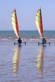 Location week end entre amis en Vendée: sortie en char à voile