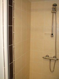 france holiday accommodation self catering Africa shower