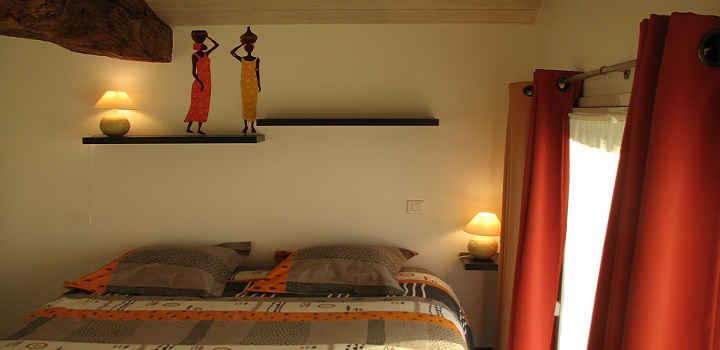 Location vacances gîte avec piscine intérieure en Vendée, Chambre Afrique avec salle d'eau privative