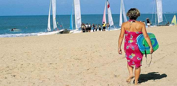 Location vacances gîte avec piscine intérieure en Vendée, les plages de sable fin
