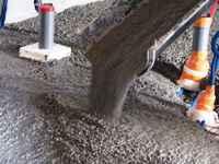 travaux de l'ancienne grange: le béton est coulé
