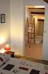 Location gîte de France Vendée avec la chambre Asie aménagée en suite familiale avec salle de bain et accès à la chambre enfants