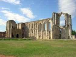 Bon plan vacances près du Sud Vendée: Abbaye de Maillezais