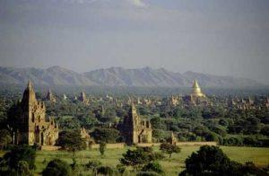 Des lieux secrets à découvrir en vacances avec Bagan en Birmanie
